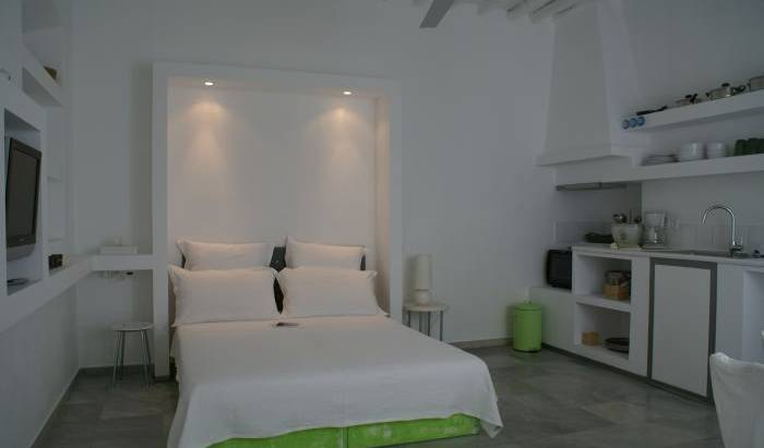 Town Suites - Search available rooms and beds for hostel and hotel reservations in Mykonos, cheap hostels 15 photos