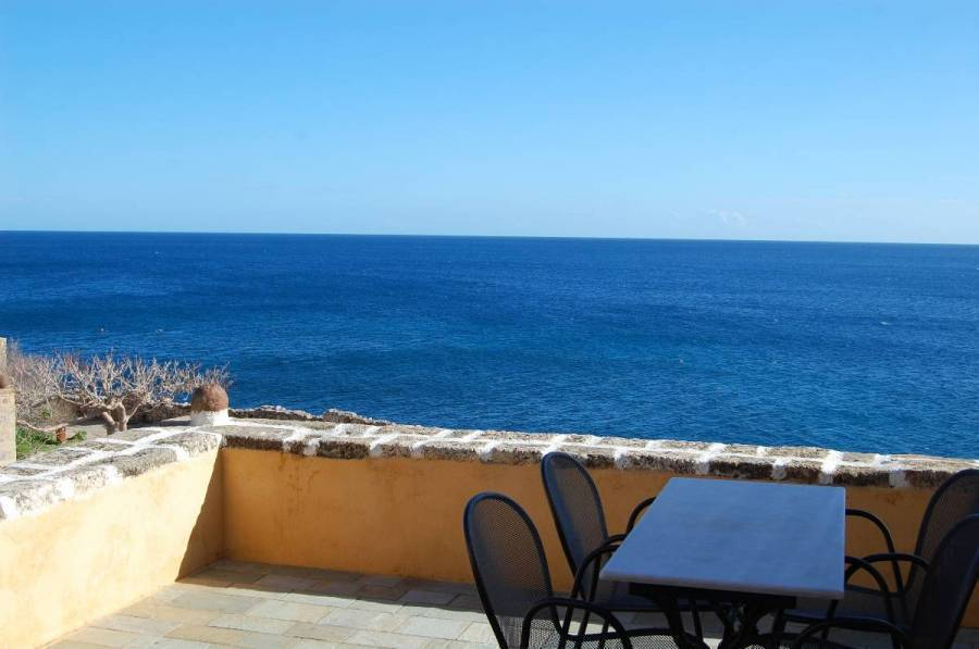 Goulas Traditional House, Monemvasia, Greece, browse hostel reviews and find the guaranteed best price on hostels for all budgets in Monemvasia