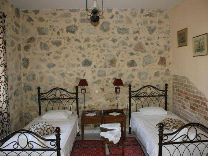 Hariklia Rent Rooms, Ano Zaros, Greece, backpackers backpackers hiking and camping in Ano Zaros