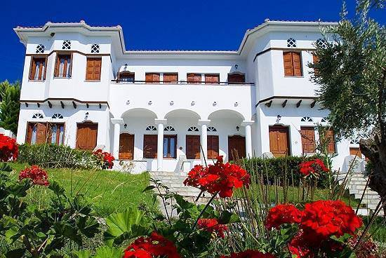 Leda Hotel and Resort, Khorto, Greece, youth hostels and backpackers for fall foliage in Khorto