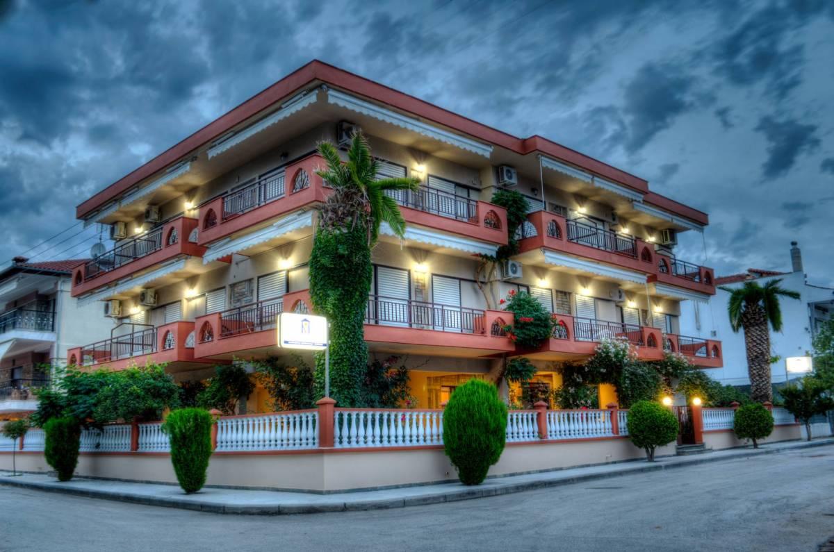 Milonas House, Nea Moudhania, Greece, Greece hostels and hotels