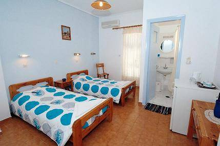 Villa Rosa Guest House, Karteradhos, Greece, tips for traveling abroad and staying in foreign hostels in Karteradhos