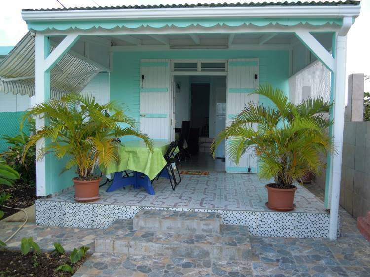 Joli 2 Pieces A Bon Standing, Le Moule, Guadeloupe, what is an eco-friendly hostel in Le Moule