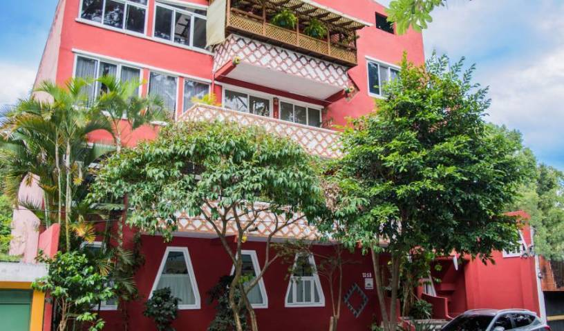 Eco Suites Uxlabil, relaxing hostels and backpackers 32 photos
