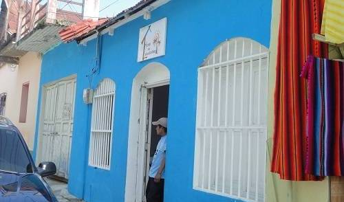 Hotel Los Estudiantes - Search for free rooms and guaranteed low rates in Flores 13 photos