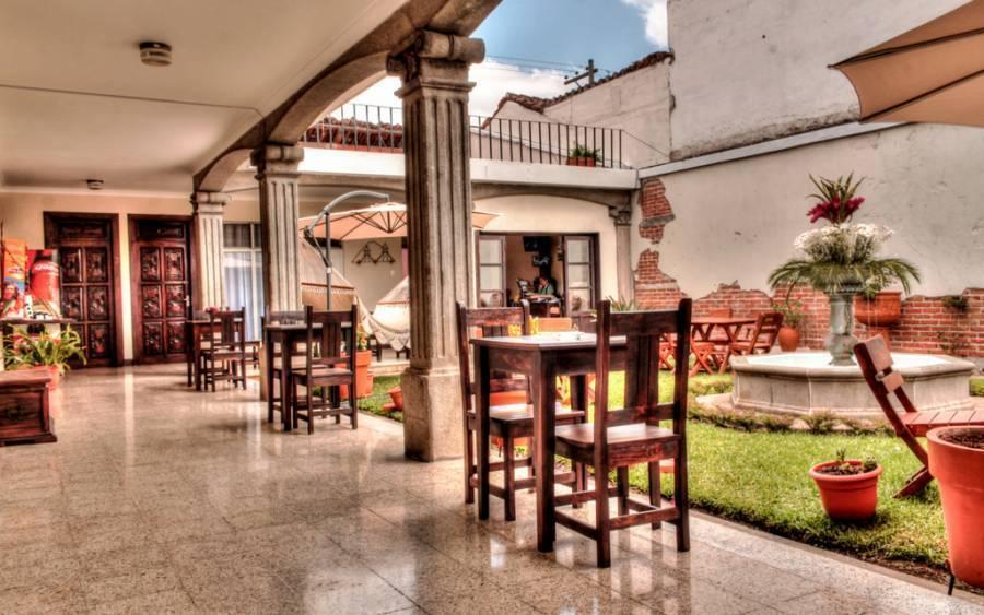 Hostal Posada de San Carlos, Antigua Guatemala, Guatemala, Letto & Colazioni disponibili in migliaia di città in tutto il mondo in Antigua Guatemala