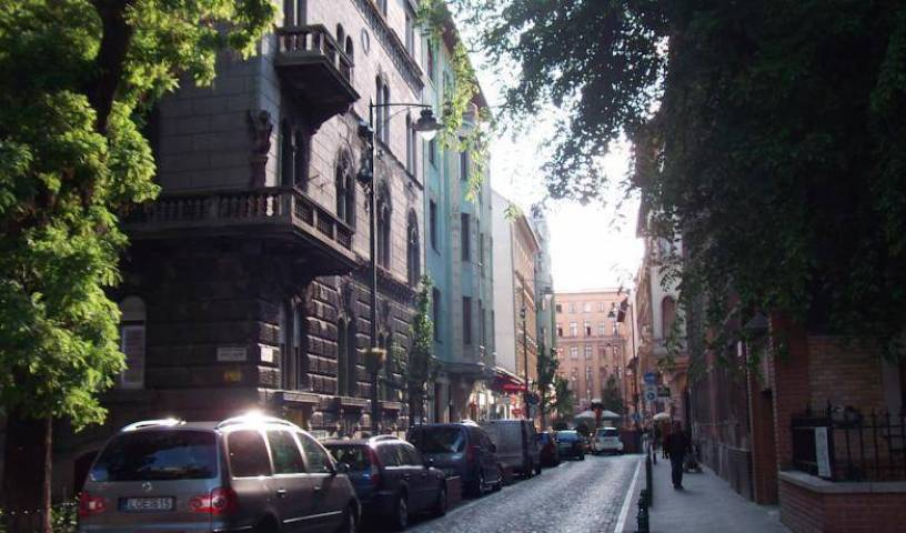 Ciao Budapest Hostel - Search available rooms and beds for hostel and hotel reservations in Pest 5 photos