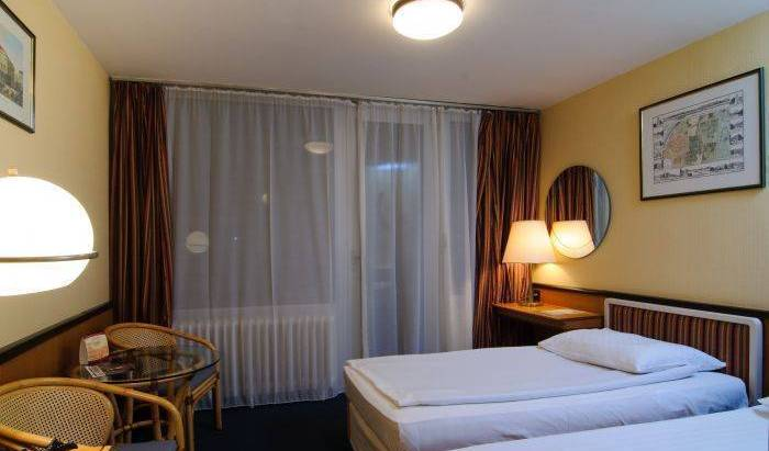 Europa Hotels and Congress Center Standa - Search available rooms and beds for hostel and hotel reservations in Budapest 7 photos