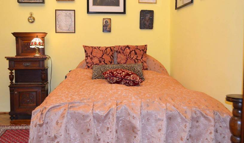 Luxury Guesthouse Budapest - Search available rooms and beds for hostel and hotel reservations in Budapest 13 photos