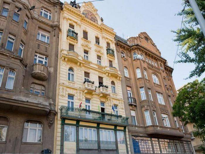 Differently Rooms And Apartments, Budapest, Hungary, find bed & breakfasts with restaurants and breakfast in Budapest