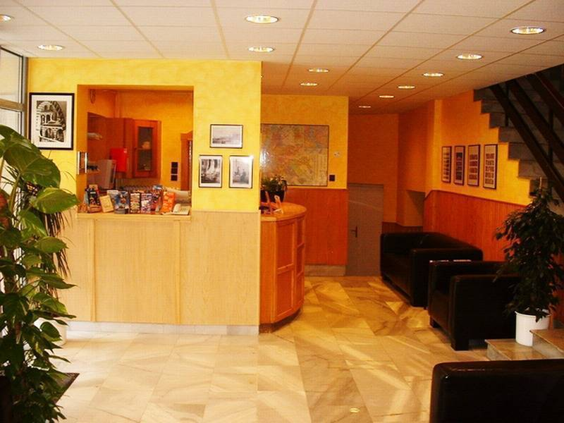 Hotel Rila, Budapest, Hungary, discount lodging in Budapest