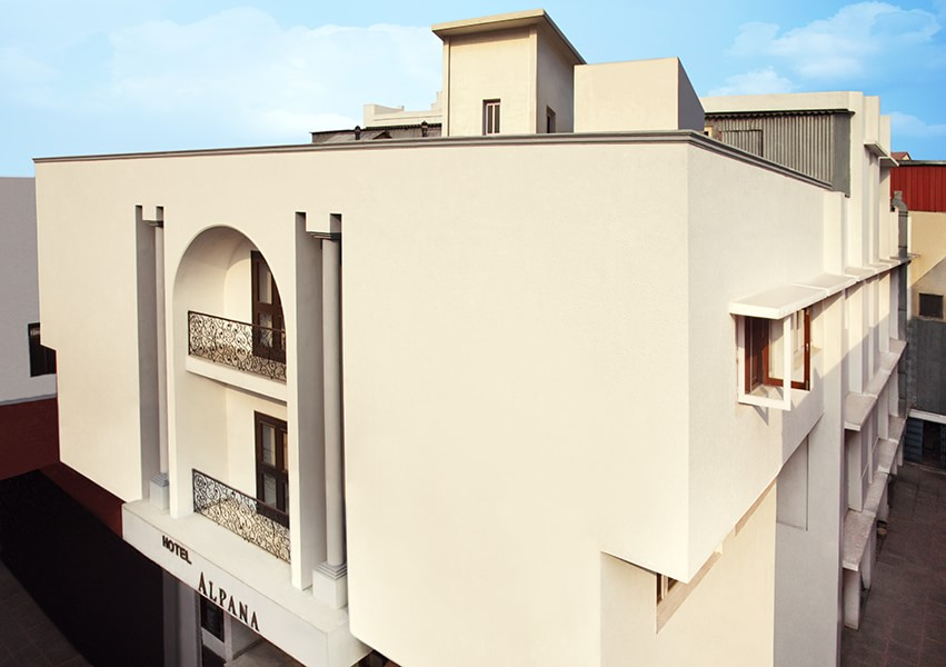 Alpana Hotel, Haridwar, India, bed & breakfasts and rooms with views in Haridwar