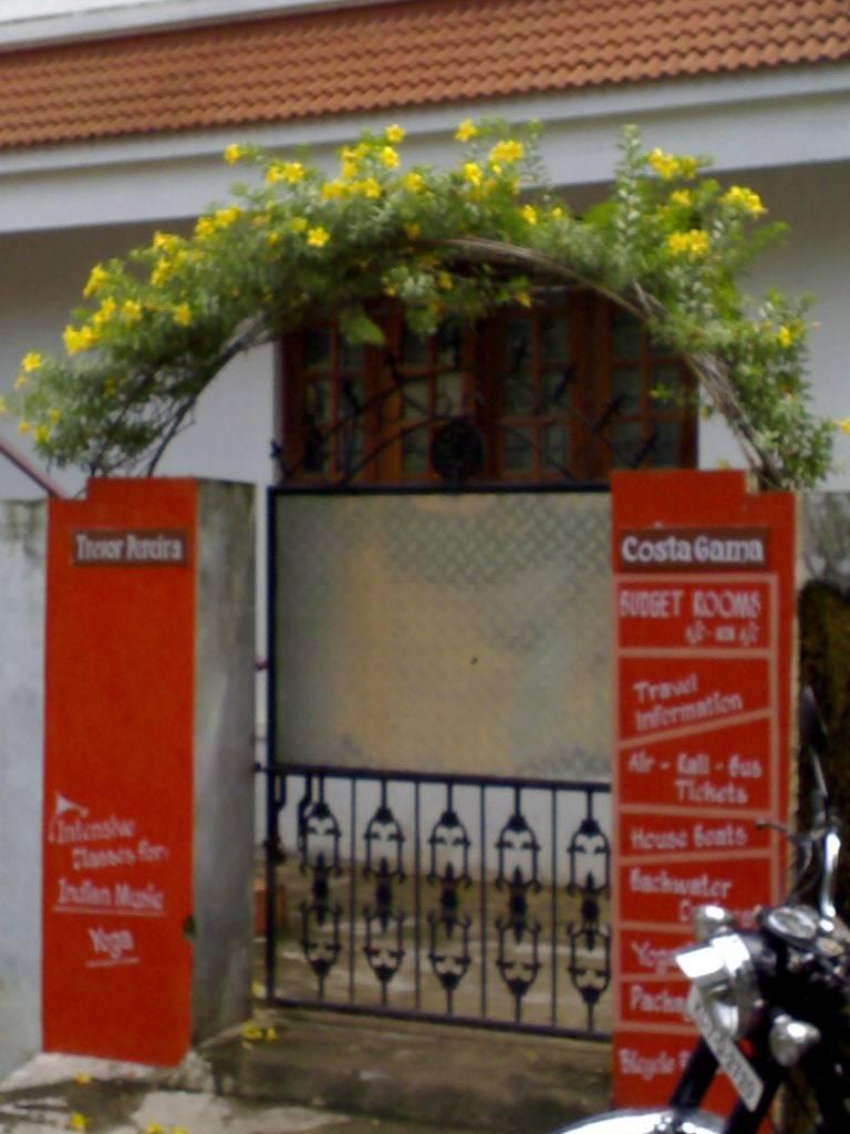 Costa Gama Home Stay Fort Cochin, Cochin, India, Verificați lista de pensiuni pentru informații despre baruri, restaurante, bucătărie și divertisment în Cochin