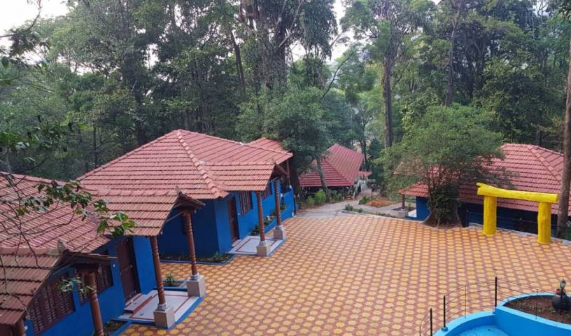 Aisiri Hill Retreat- Lets Hit The Road - Search available rooms and beds for hostel and hotel reservations in Madikeri 1 photo
