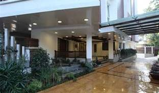 Brunton Heights Hotel - Get cheap hostel rates and check availability in Bengaluru 4 photos