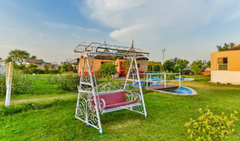 Ct Ariisse Village Resort Gurgaon - Get cheap hostel rates and check availability in Gurgaon 1 photo