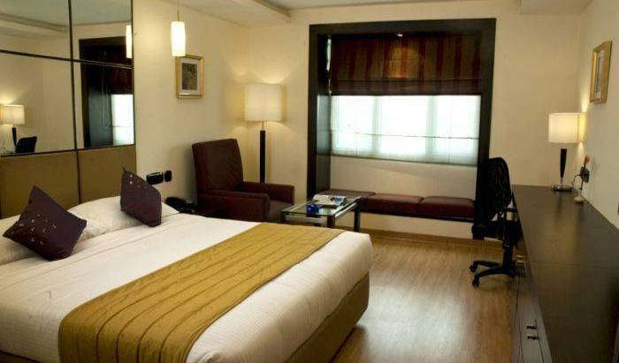 Fortel Hotels - Get cheap hostel rates and check availability in Chennai, how to rent an apartment or aparthostel in Anna Nagar, India 7 photos