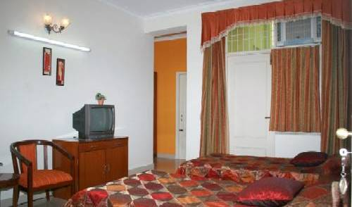 Garden Villa Homestay - Get cheap hostel rates and check availability in Agra 3 photos