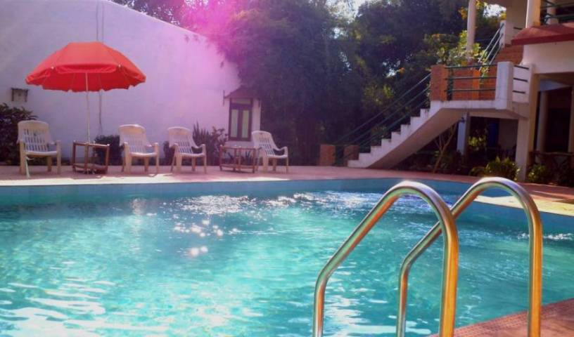 Golbro Tiger View Resort -  Tala, bed and breakfast bookings 17 photos