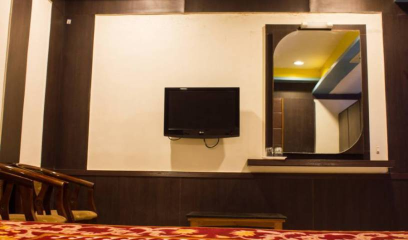 Hotel Maharaja - Search for free rooms and guaranteed low rates in Madurai 4 photos