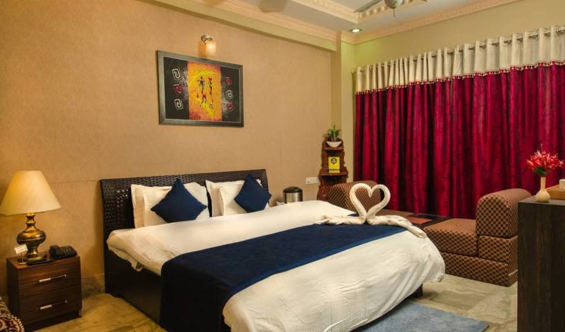 Hotel Meenakshi - Search available rooms and beds for hostel and hotel reservations in Udaipur 2 photos