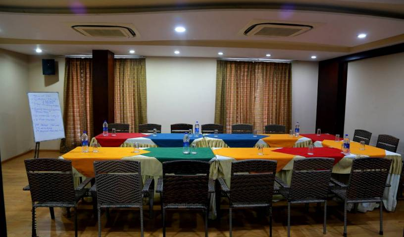 Hotel Royal Palm - Search available rooms and beds for hostel and hotel reservations in Udaipur 1 photo