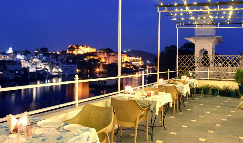 Hotel Sarovar - Search available rooms and beds for hostel and hotel reservations in Udaipur 4 photos