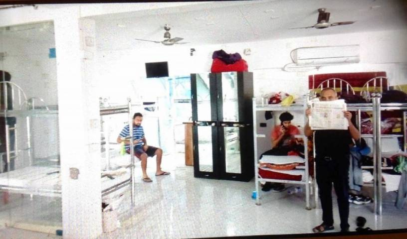 PG Hostels Backpackers Bed and Breakfast -  Juhu, bed and breakfast holiday 13 photos
