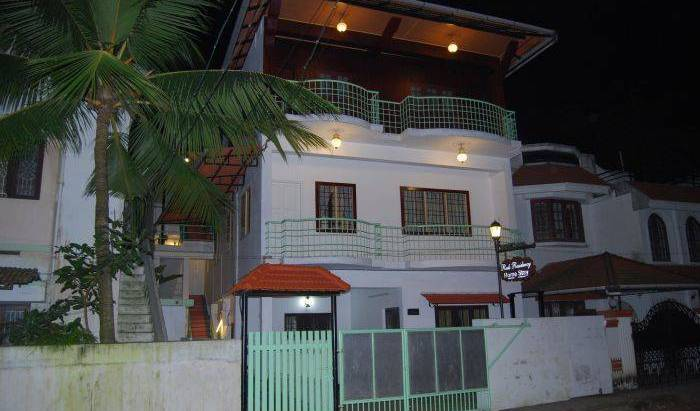 Reds Residency - Homestay - Search available rooms and beds for hostel and hotel reservations in Ernakulam 17 photos