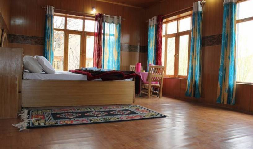 Shorkhan Guest House -  Leh, bed and breakfast bookings 3 photos