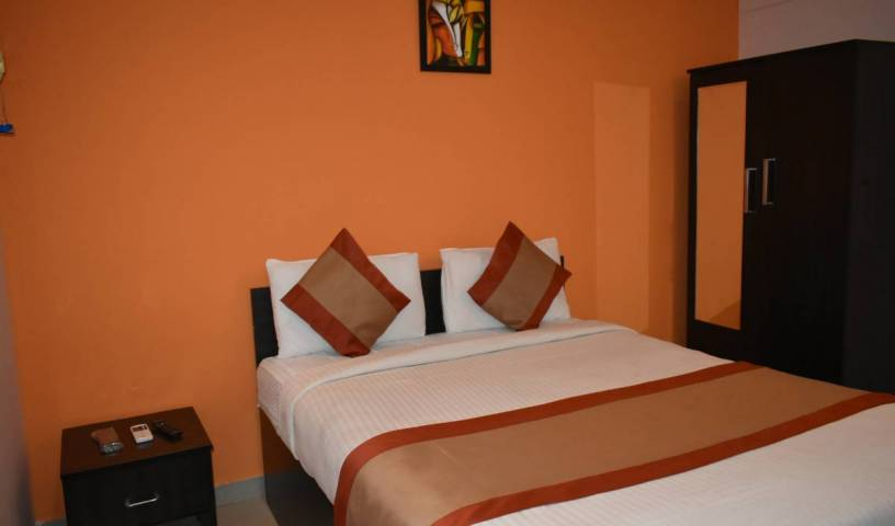 Star Inn - Search available rooms and beds for hostel and hotel reservations in Tiruchchirappalli 2 photos