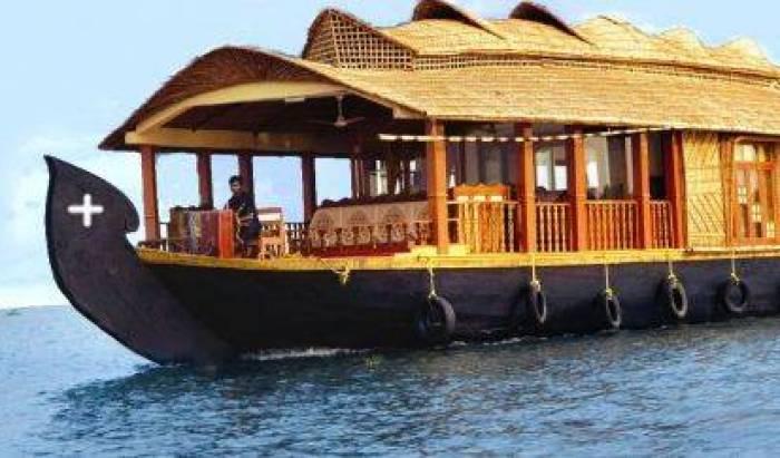 Vadakkathu Tourist Boat Service -  Kumarakom 15 photos