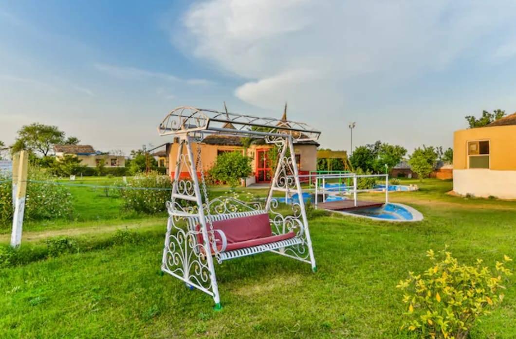 Ct Ariisse Village Resort Gurgaon, Gurgaon, India, India hostels and hotels