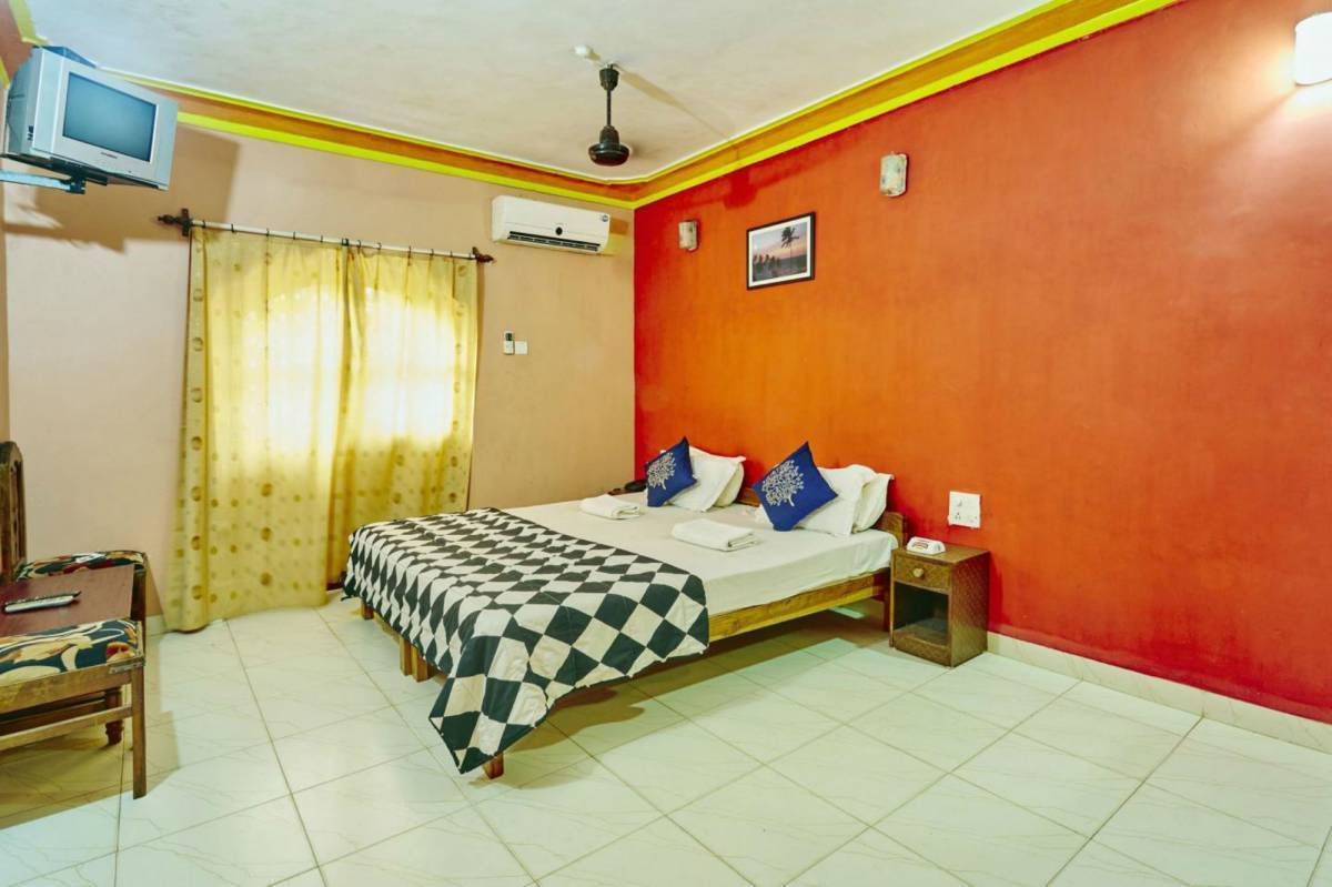Dreams Palm Beach Resort, Calangute, India, top deals on youth hostels in Calangute