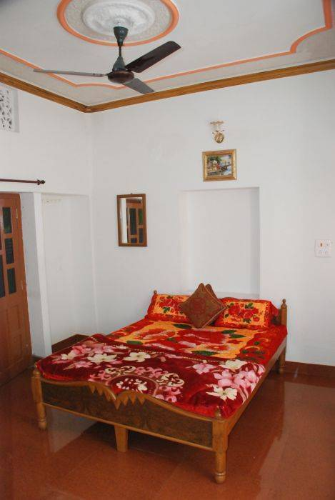 Gajanand Guesthouse, Jaisalmer, India, bed & breakfasts with hot tubs in Jaisalmer