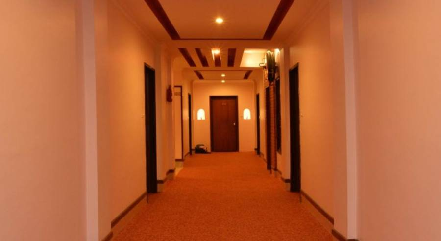 Hill Palace Hotels Manali, Manali, India, bed & breakfast bookings at last minute in Manali