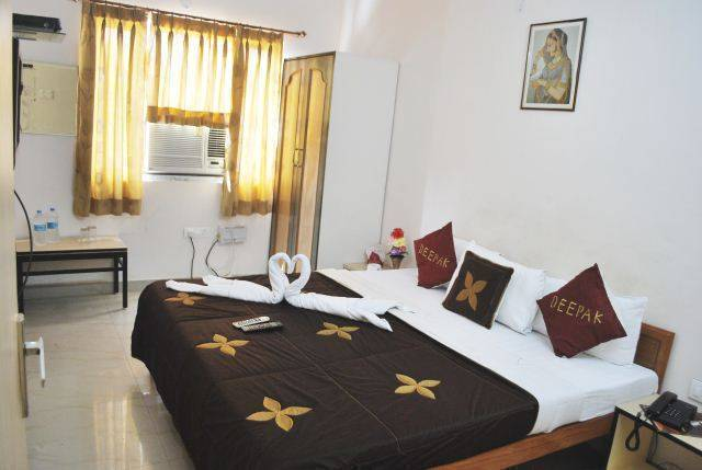 Hotel Deepak, Jaipur, India, India hostels and hotels