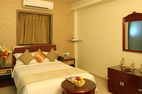 Hotel Gold Coast, Mumbai, India, what are the safest areas or neighborhoods for bed & breakfasts in Mumbai