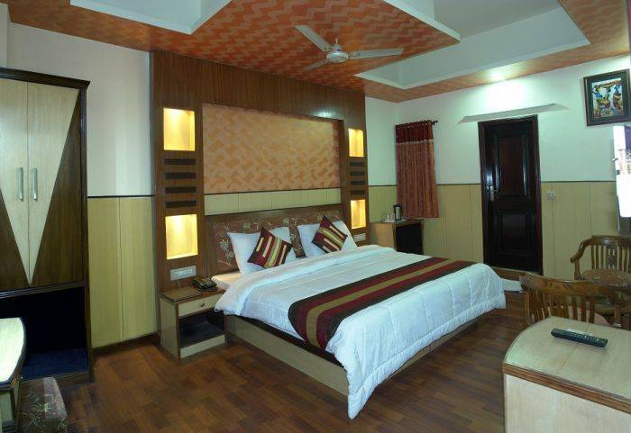 Hotel Karat 87 Inn, New Delhi, India, India hostels and hotels