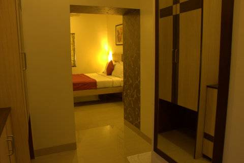 Hotel Madhav International, Pune, India, find cheap bed & breakfast deals and discounts in Pune