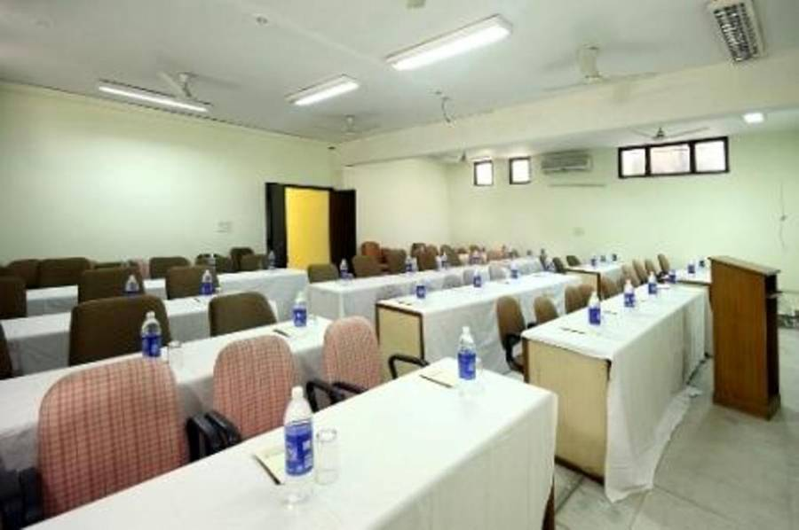 Hotel Mandakini Destination, Gurgaon, India, bed & breakfasts with handicap rooms and access for disabilities in Gurgaon