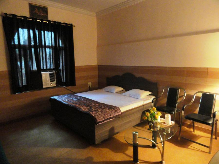 Hotel Mangalam Palace, Lucknow, India, India bed and breakfasts and hotels