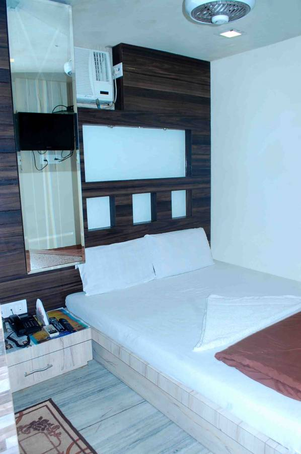 Hotel New India, Mumbai, India, find activities and things to do near your bed & breakfast in Mumbai