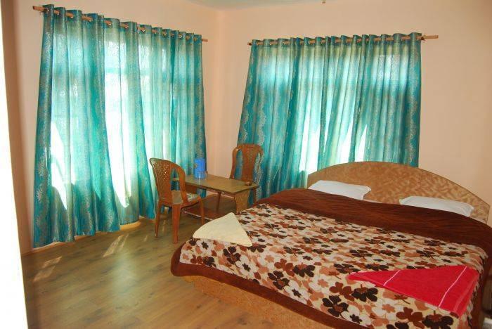 Hotel New Prince Inn, Srinagar, India, Cama de alta qualidade e Café da manhã dentro Srinagar