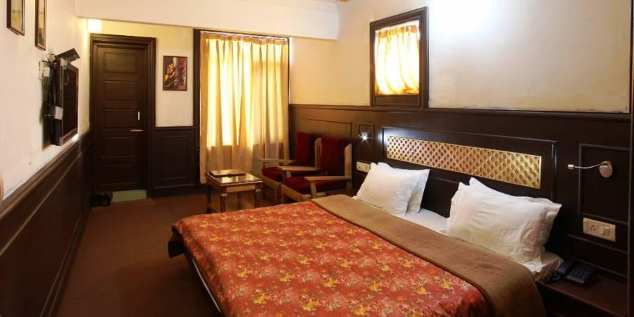Hotel Sadaf, Srinagar, India, India bed and breakfasts and hotels