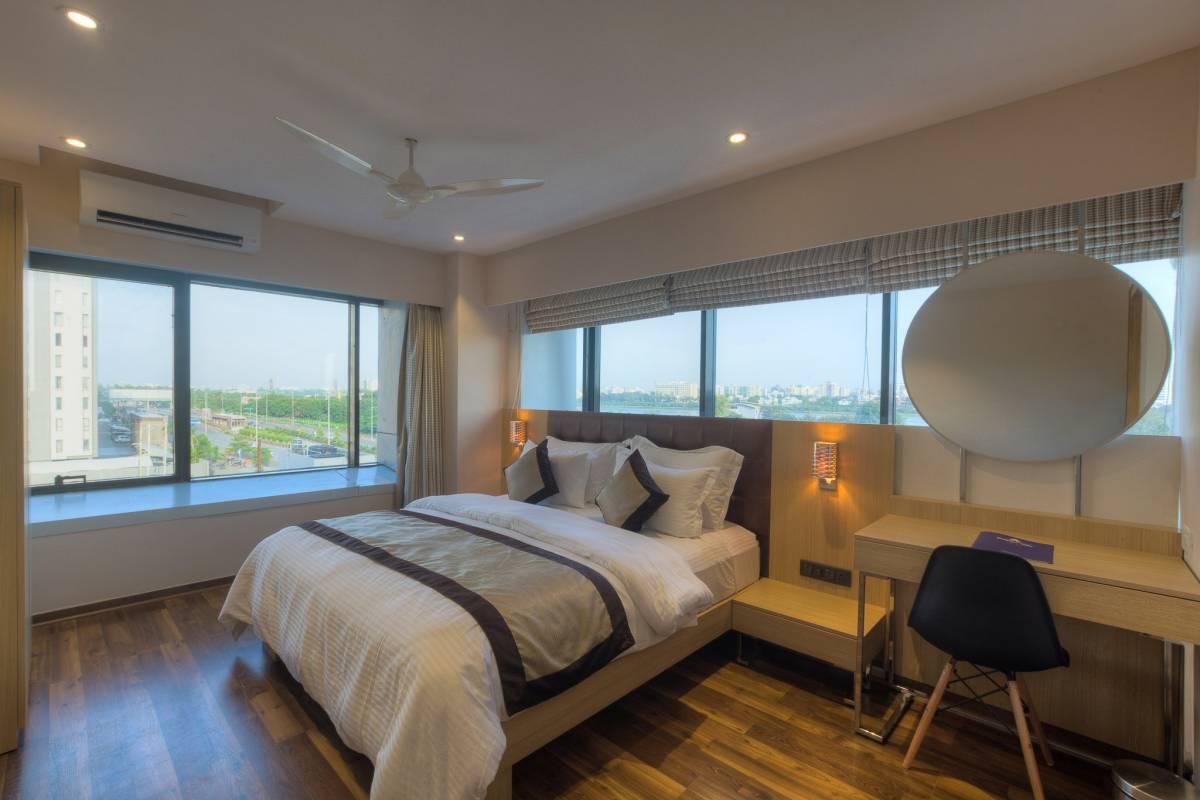 Hotel Sadbhav Villa, Surat, India, big savings on bed & breakfasts in destinations worldwide in Surat