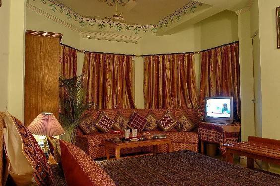Hotel Sarang Palace, Jaipur, India, find the lowest price on the right bed & breakfast for you in Jaipur