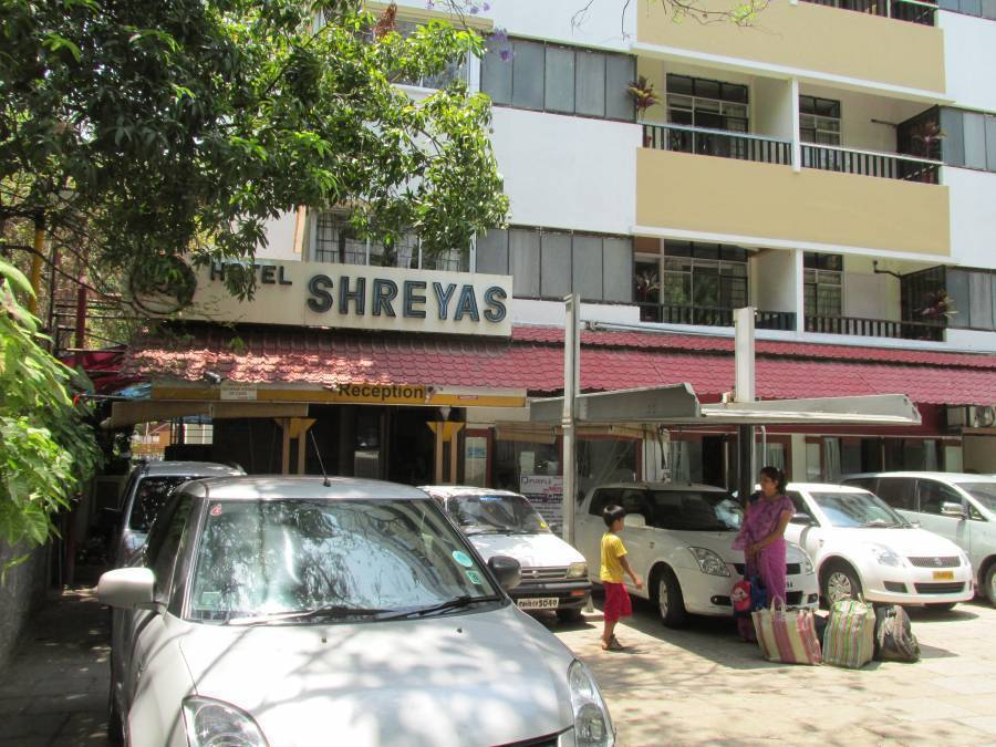 Hotel Shreyas, Pune, India, India bed and breakfasts and hotels