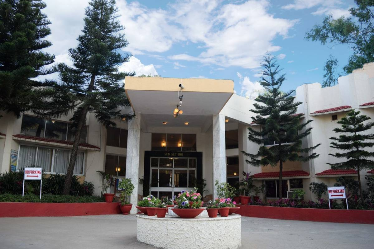 Hotel Sunset Inn With Swimming Pool, Abu, India, lowest official prices, read review, write reviews in Abu