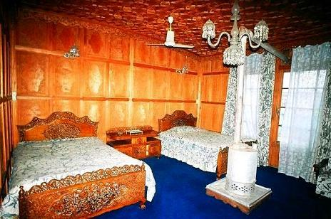 Kolu Houseboats, Srinagar, India, travel intelligence and smart tourism in Srinagar